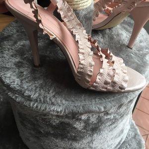 Ruffled strappy heels in petal pink
